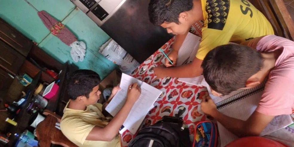 Implementação do ensino remoto emergencial em Goiás: ensino para quem?