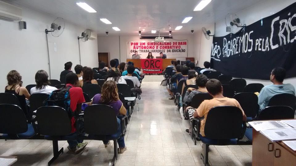 Formação política de trabalhadores da educação organizada pela ORC/FOB. (Nov/2015)
