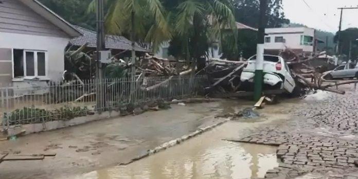 Desastre Natural ou do Capital? A produção social de tragédias em Santa Catarina