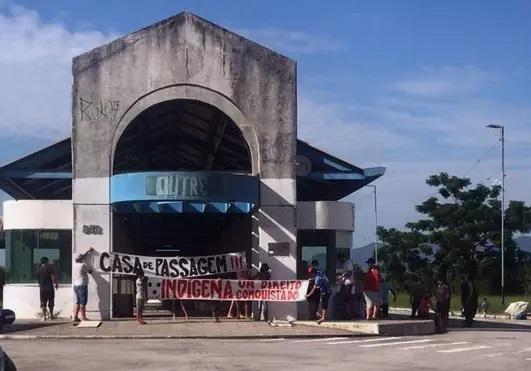 Uma Pequena Vitória em Florianópolis: Indígenas Garantem Permanência na Casa de Passagem