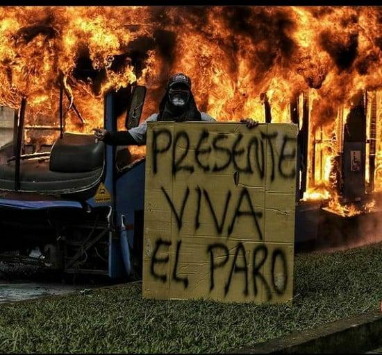 Greve Geral na Colômbia: o povo enfrenta o governo narcoterrorista de Iván Duque