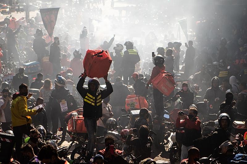 Entregadores fazem paralisação nesta sexta, dia 16/04, em São Paulo e convocam solidariedade para a Greve Geral