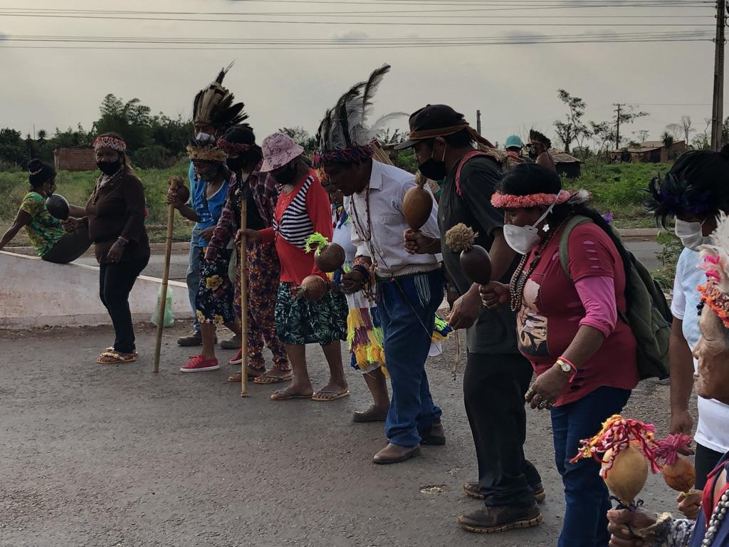 Guarani e Kaiowá bloqueiam rodovias contra o Marco Temporal